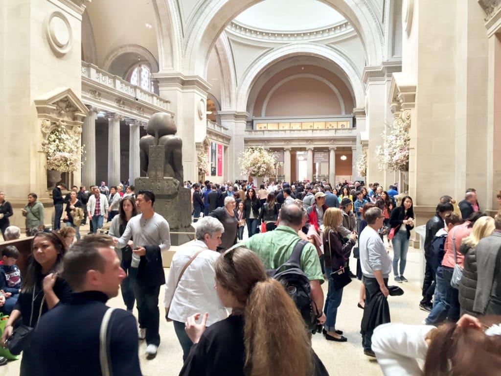 metropolitan museum of art entrance hall