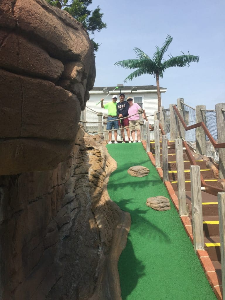 family at pirates island mini golf avalon new jersey